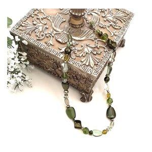 Jewelry - Beaded • Necklace